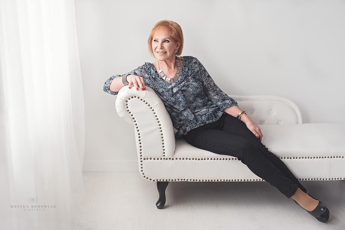 sesja-starszej-kobiety-poznan-monika-borowiak-fotografia